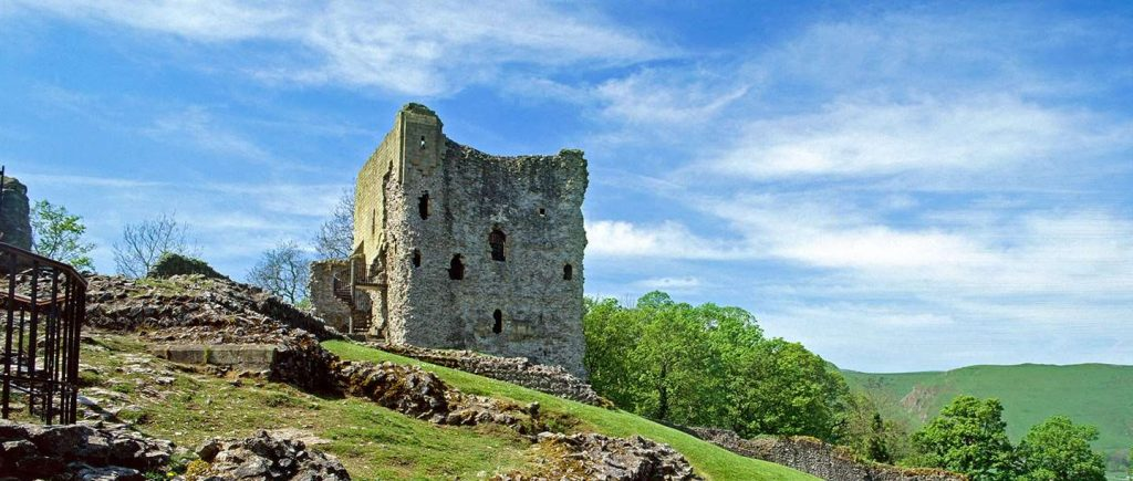 things to do in the peak district - peveril castle